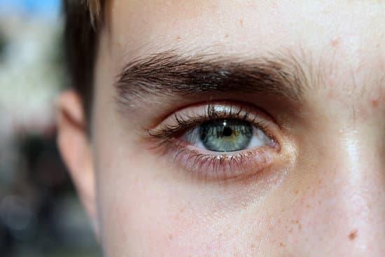 【男性向け】女性にモテる眉毛の整え方3ステップ!