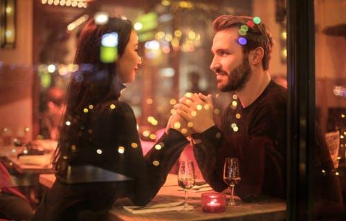 初 デート 会話